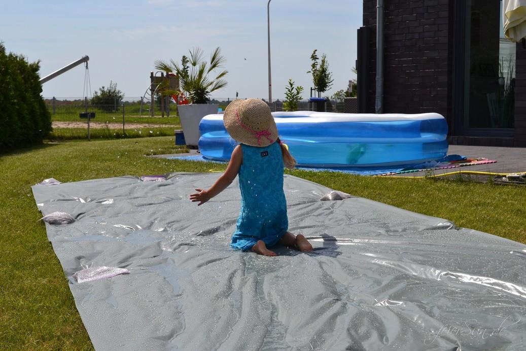 Wasserrutsche Ferienspaß Spaß haben (1)
