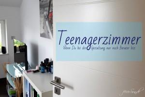 Ein Teenagerzimmer zieht ein