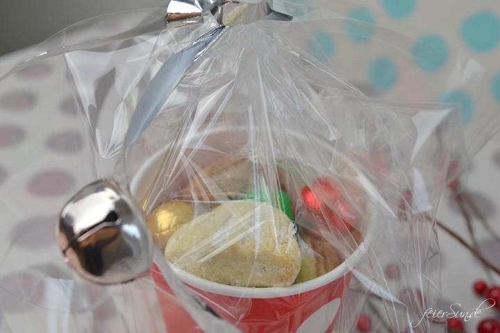 Geschenkebecher - Plaetzchen gut verpackt Einblick