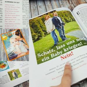"""Auszug aus der Zeitschrift Eltern und die geeschichte von einem Paar wo sie siche in Kund wünscht, er nicht. """"Schatz, lass und noch ein Baby kriegen! - Nein!"""" ist der Titel. Beide Ansichten."""