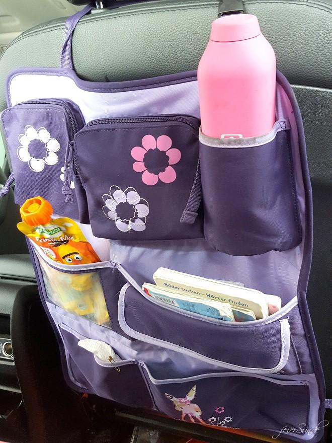 Reisen mit Kind im Auto - das Utensilo wurde frisch befüllt