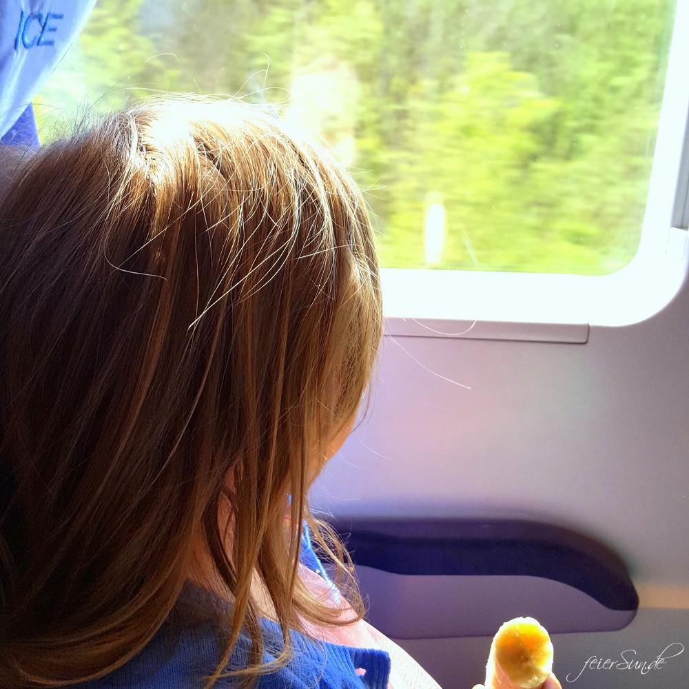 Reisen mit Kind im Zug - unsere 10 Tipps fuer eine Reise mit dem Kind und der Bahn denn wir reisen gerne - Travelblogger