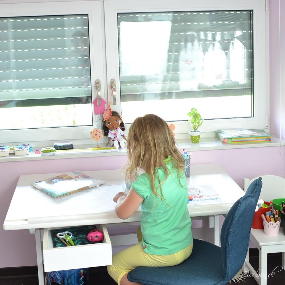 Die Vorschule Steht An   Platz Für Das Vorschulkind Wenn Kleine Kinder  Gross Werden Und Dabei