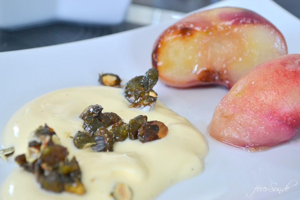 Grillbox - Alle an einen Tisch mit der Grillbox und der grandiose Nachtisch aus gerillter Pfirsich an Vanilllejoghurt aus der Kochzauber Grillbox 2016