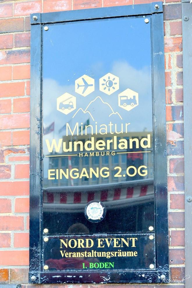 Miniatur Wunderland - Kleine grosse- Welt Grosse Welt ganz klein. Folge uns ins Modellland Hamburg und entdecke es mit uns vom Eingang an