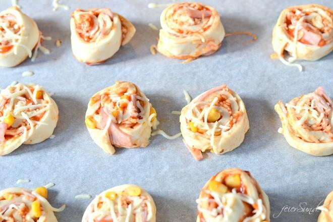 Pizzaschnecken am Stiel Rezept_zubereitung_pizzaschnecken-backen