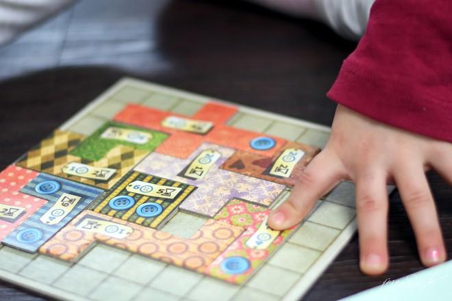 verSpielt_Spielzeit_5-bunte-Spiele-fuer-graue-Tage_wir-spielen-_Patchwork
