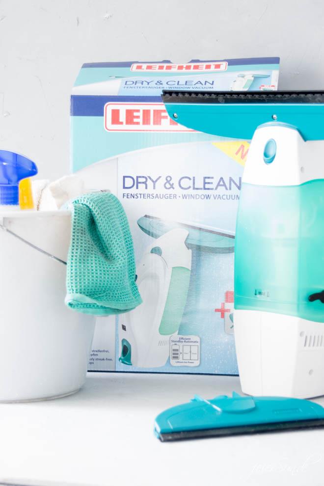Den Frühjahrsputz mache ich in diesem Jahr mit dem Fenstersauger Dry&Clean von Leifheit. Schnelle Oberflächenreinigung Quick&Clean. So brauchen wir das in unserem Alltag zwischen Familie, Job und Lifestyle. Die Produkte