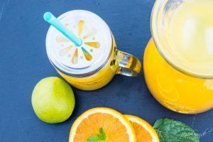 Erfrischende Orangen-Limonade selber machen geht ganz einfach. So schnell und lecker eine erfrischende Limonade einfach selber machen. Denn Limonade schmeckt und unser Rezept ist so einfach.