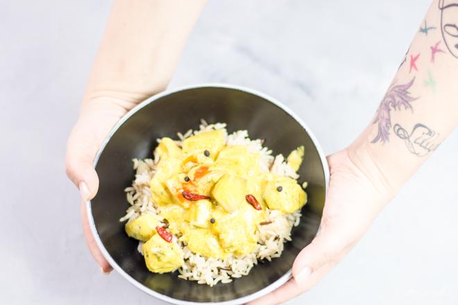 Ein fruchtiges Haehnchen-Mango-Curry-mit Kokosmilch ist super schnell gemacht und schmeckt herlich. Ein Rezept aus meiner Kueche.