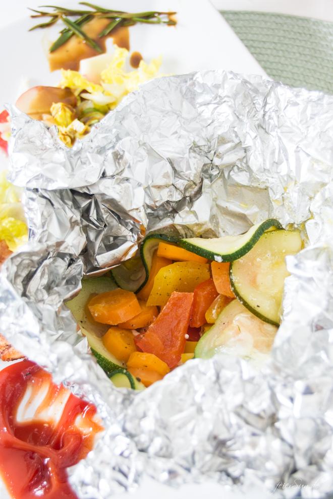 feierSun.de zeigt heute, wie man Gemüse in das Kind bekommt. In dem man es in bunte GemüsePäckchen steckt. Kochen mit Kindern. Lebensmittel erleben. feierSun.de I Familienleben - Lifestyle - Herz