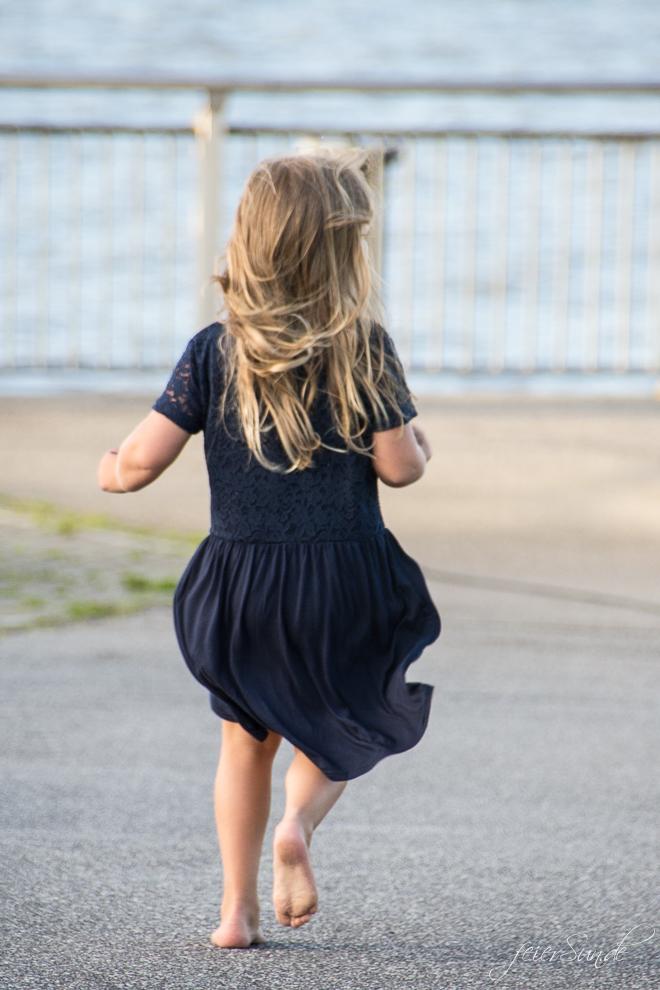 Auf feierSun.de berichte erzähle ich davon das mein Kind wird groß. Zwischen Wehmut, Freude und Aufregung finde ich das gut so!