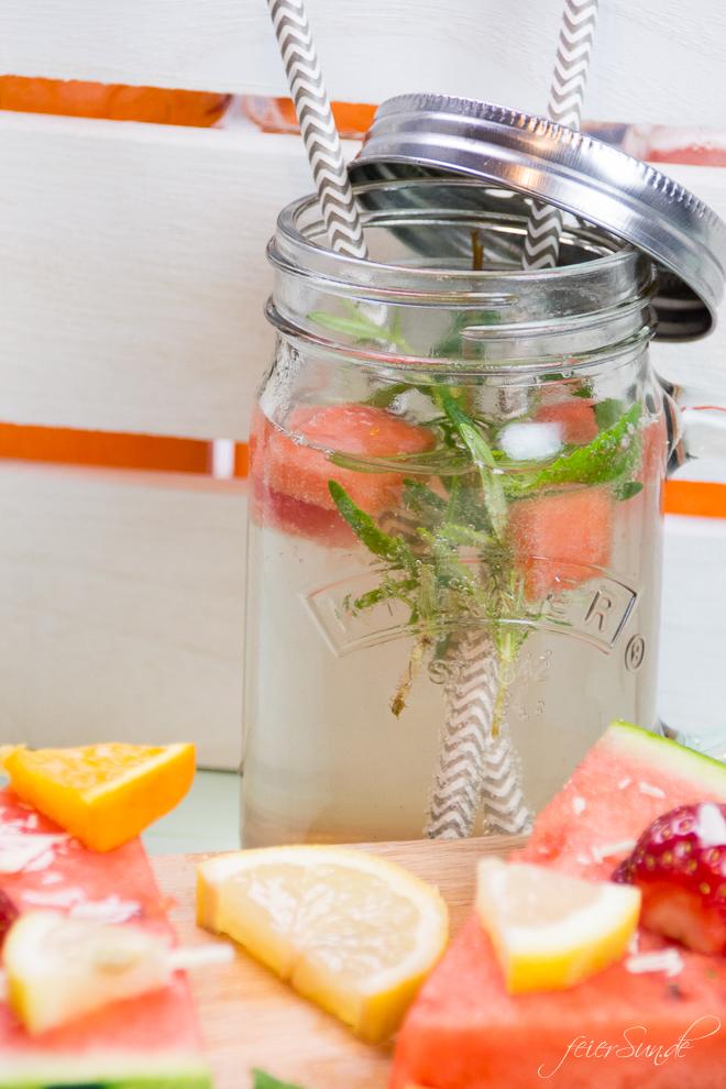 JesS von feierSun.de zeigt heute wie Du ganz einfach aus Gemüse einen Sirup selber machen kannst. Das Rezept für Wassermelonen-Sirup macht die Wassermelone trinkbar. feierSun.de I Familienleben I Lifestyle I Herz