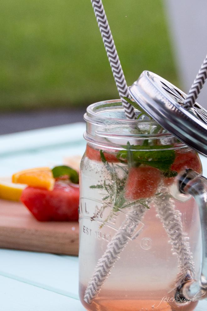 feierSun.de zeigt wie Du ganz leicht aus Gemüse einen Sirup selber machen kannst. Das Rezept für Wassermelonen-Sirup macht die Wassermelone trinkbar. feierSun.de I Familienleben I Lifestyle I Herz