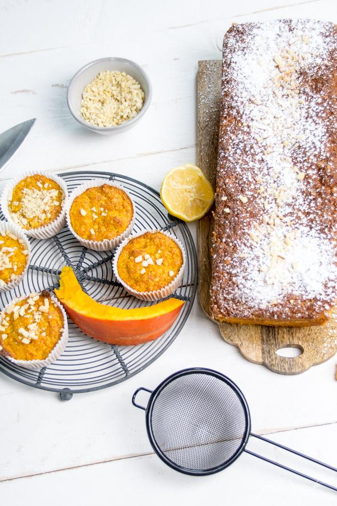 Auf feierSun.de gibt es ein #Rezept für KüRbiSkUChEn und #Muffins mit Mandeln und fast ganz ohne Mehl. Saftig, #lecker & #saisonal. #Kuchen und #Herbst auf feierSun.de