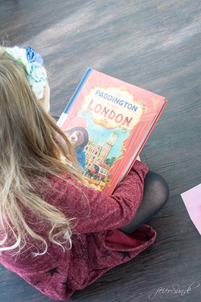 Ein super einfaches DiY für eine Pop-Up-Karte als Einladung zur AuSzEit mit Paddington 2. Mit dem Kinostart für gemeinsame Pausen und einen Blick ins das Pop-Up-Buch des Filmes // Familienzeit auf feierSun.de
