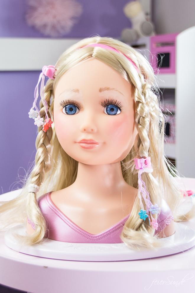 Spielspaß für kleine Nachwuchs-Stylistinnen und das perfekte Geschenk ist die BABY born® Sister Styling. Ein Frisierkopf und Puppenkopf von Zapf Creation // Geschenkidee