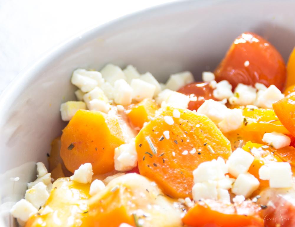 Ein schnelles Mittagessen welches auch noch super gesund ist und sich quasi von allein zubereitet? Buntes Ofengemüse. Leicht, lecker, vegetarisch und vegan und super variabel. Das leckere Rezept für das Mittagessen im HomeOffice heute auf #feierSun #Rezept