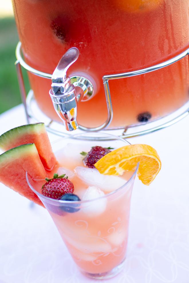 Wassermelonen Limonade selber machen. Leckere Rezept. Ideen für den Sommer. Ideen mit Wasssermelone: Wassermelonen-Limonade ohne Zucke. Perfekte Ideen für Sommer Rezepte Erfrischung pur - leckere Limo. #feierSun #Melonenlimonade. #wassermelone #rezepte #wassermelonenlimonade #mocktail